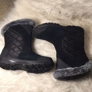 Columbia water proof quilted winter boots